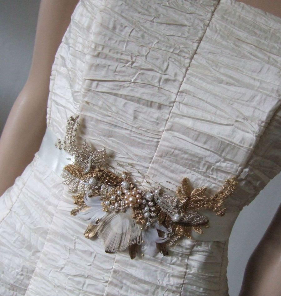 Gold pheasant peacock feathers bridal sash in vintage lace for Peacock wedding dress sash